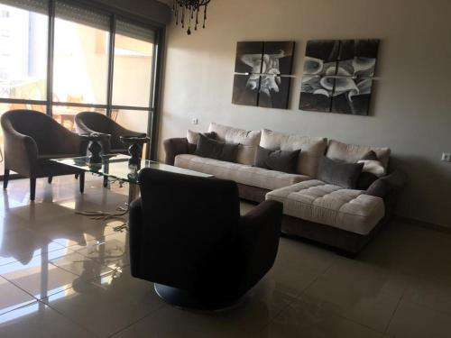 . Apartment 2 bedrooms Central Location