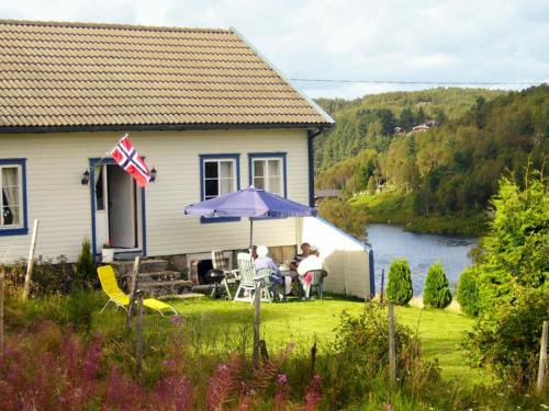 . Two-Bedroom Holiday home in Lyngdal 2