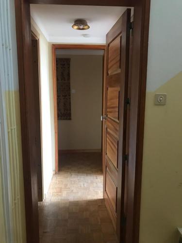 Lagos Center Studios, 8600-740 Lagos