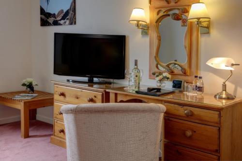 Best Western Plus Bentley Hotel, Leisure Club & Spa picture 1 of 50