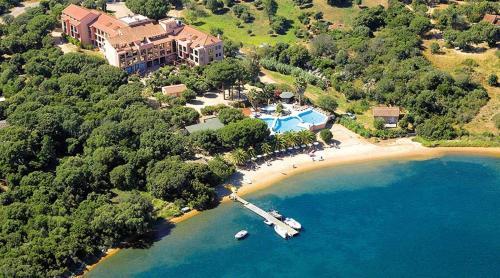 . Hotel Club U Libecciu