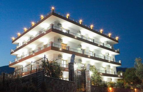 . Mihalis Apartments