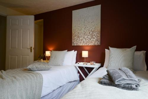 NEC & HS2 Contractors -2 Bedroom Flat LONG TERM stays available