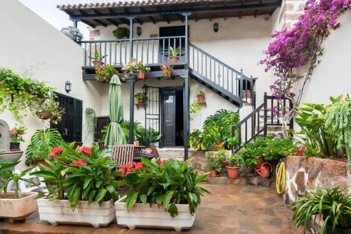 LOVELY SPANISH CULTURAL HOUSE