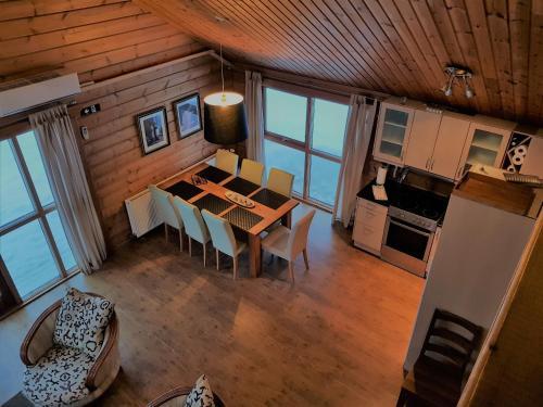 Geysir - Modern Log Cabin - Photo 6 of 25