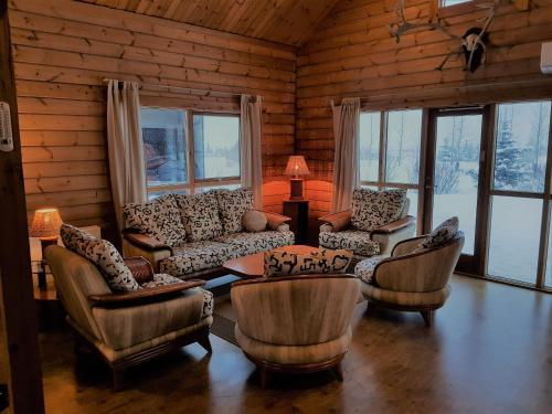 Geysir - Modern Log Cabin - Photo 3 of 25