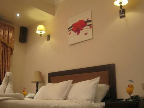 Holidays Express Hotel - image 10