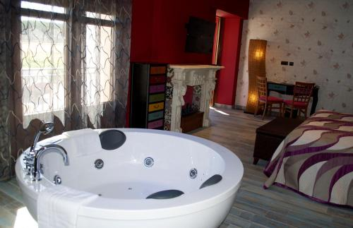 Suite Hotel el Lagar de Isilla 13