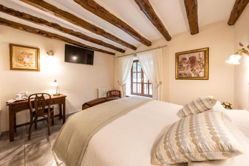 Double Room - single occupancy Hotel Rural Masía la Mota 3