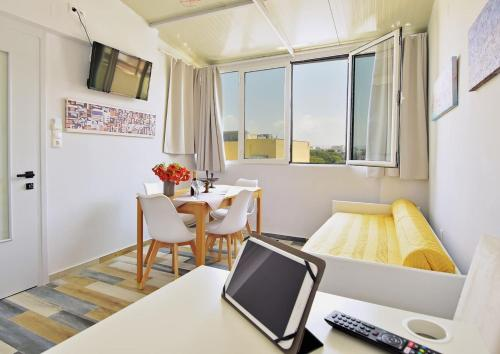 Museum loft apartment, with city view., Pension in Iraklio