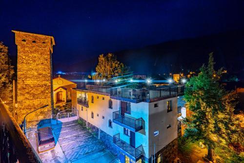 Guesthouse David Zhorzholiani - Hotel - Mestia