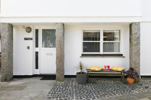 4 Porthmeor Court, St Ives, Cornwall