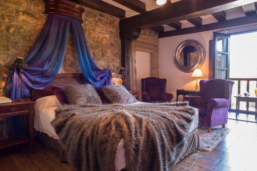 Double or Twin Room with Balcony Hotel Casa del Marqués 4