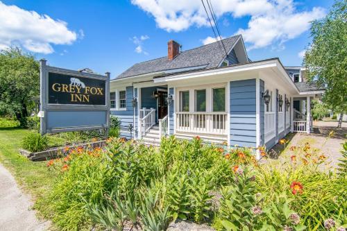 Grey Fox Inn - Accommodation - Stowe