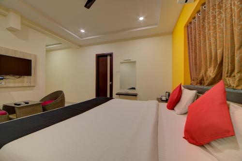 Red Fox Hotel, Hitech city, Hyderabad - Hyderabad - online