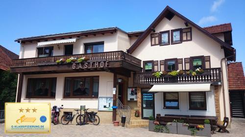 Landgasthof und Pension Zum löwen - Hotel - Bischofsheim an der Rhön