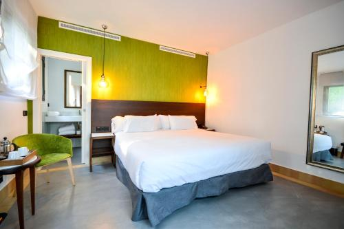 Premium Double Room Legado Alcazar 3