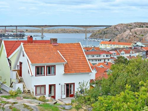 . Two-Bedroom Holiday home in Kungshamn 1