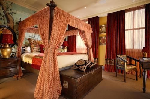 Taj 51 Buckingham Gate Suites and Residences photo 21
