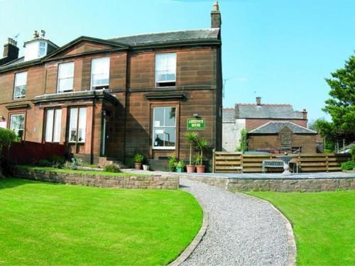 Dumfries Villa (Bed and Breakfast)
