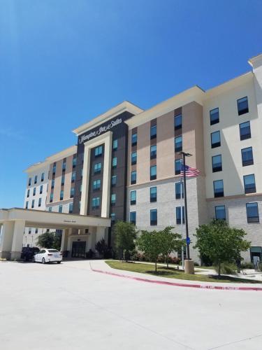 Hampton Inn & Suites Dallas-The Colony
