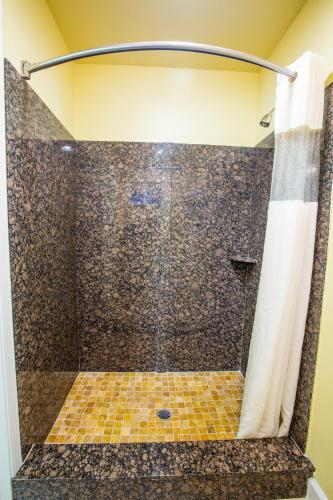 Aloha Inn - Arroyo Grande, CA 93420