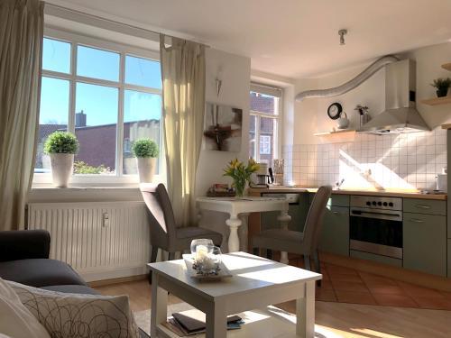 . Klein & Fein, Apartment in der Altstadt