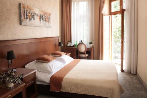 . Hotel Gal