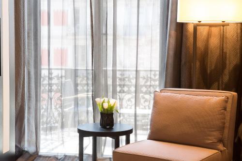 Premium Double or Twin Room Hotel Murmuri Barcelona 16
