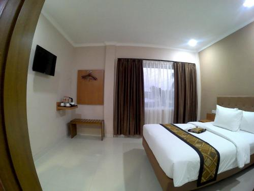Mr J Suites Hotel Tegal