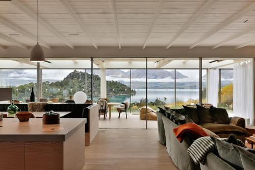 Bob's Cove Luxury Retreat by Touch of Spice - Accommodation - Closeburn