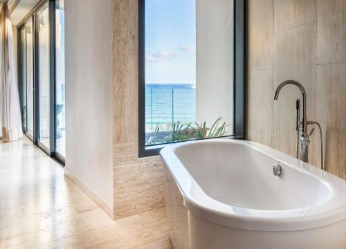 Фото отеля Thompson Beach House