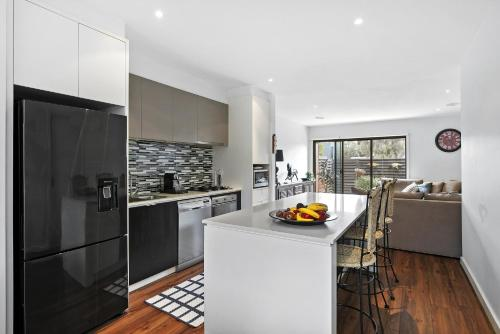 . Gorgeous 2 Bedroom Townhouse