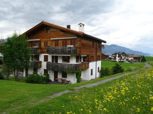 Gadahüs 4 Elvers Misanenga - Ferienwohnung mit Bad/WC, 54 m2 für max. 4 Personen - Apartment - Obersaxen