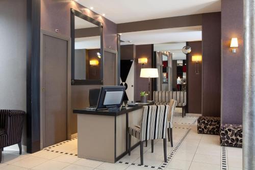 Hotel Eiffel Seine photo 45