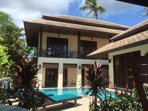 Private 4 Bed Villa in Maenam Ko Samui Private 4 Bed Villa in Maenam Ko Samui