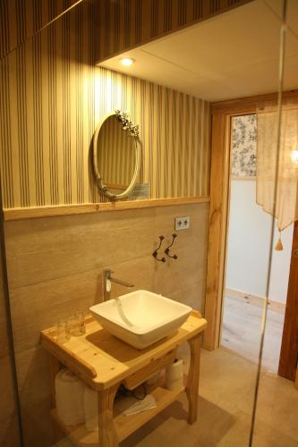 Doppelzimmer Hotel Viñas de Lárrede 1