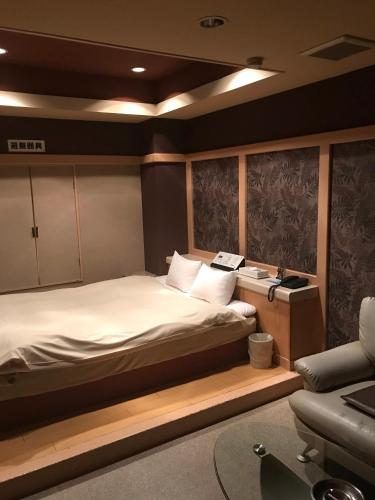 Hotel New World (Adult Only), Toda