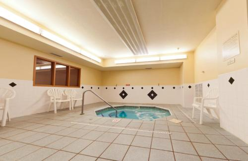 Country Inn & Suites By Radisson Galesburg Il
