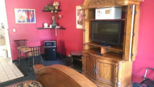 Red Carpet Inn Norwalk - Norwalk, CT 06851