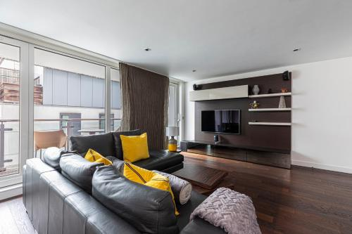 Stunning New Central London 2 Bedroom Apartment