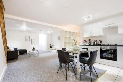 Modern Kensal Green Apartment
