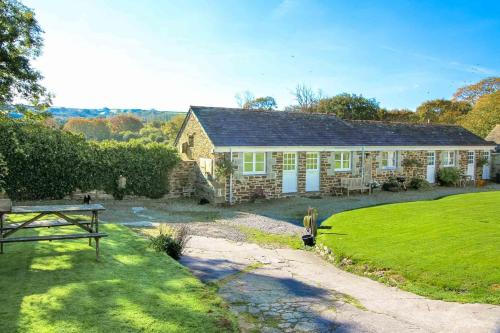 Stables Cottage At Tregawne, St Wenn, Cornwall