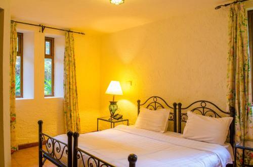 . Kianderi Villa-Great Rift Valley Resort