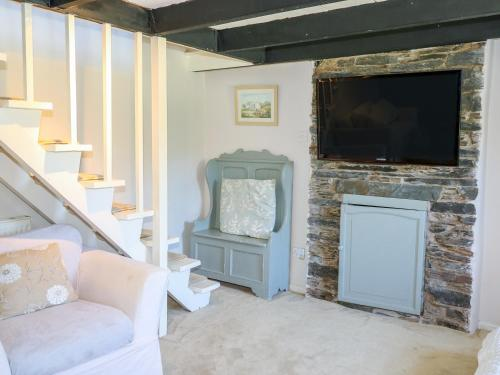 Wisteria Cottage, Lanteglos, Cornwall
