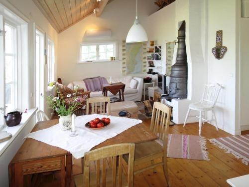 Holiday Home Opphammar (NAK132), Örebro