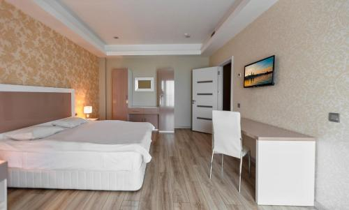 Hotel Diplomat Suites