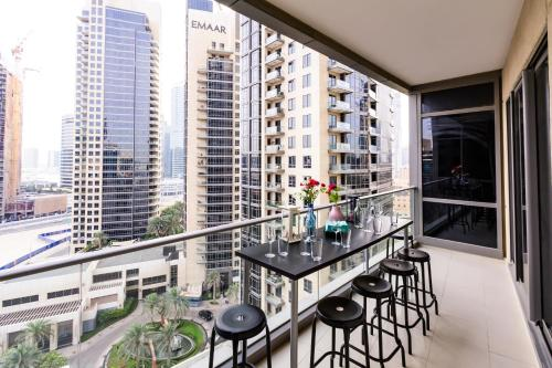 Quintessential Quarters - Ultra-modern and Spacious Aparment - image 4