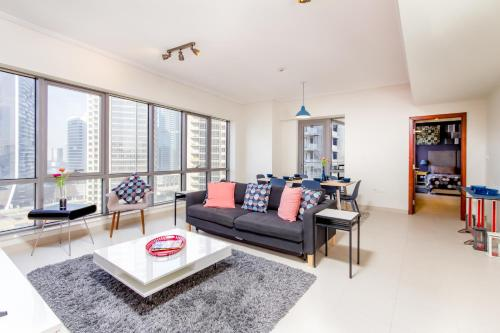 Quintessential Quarters - Ultra-modern and Spacious Aparment - image 7