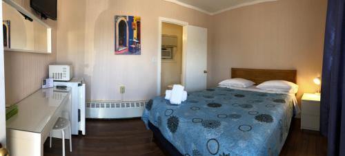 Wasaga Motel Inn - Photo 7 of 79